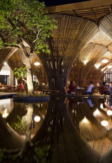 Архитектура кафе из бамбука