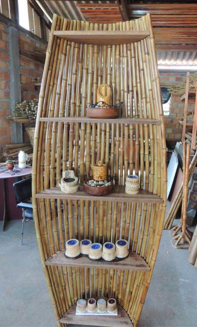 Стеллаж из бамбука