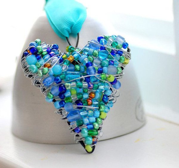 beaded-wire-heart-blue-and-green-wire-wrapped-ornament