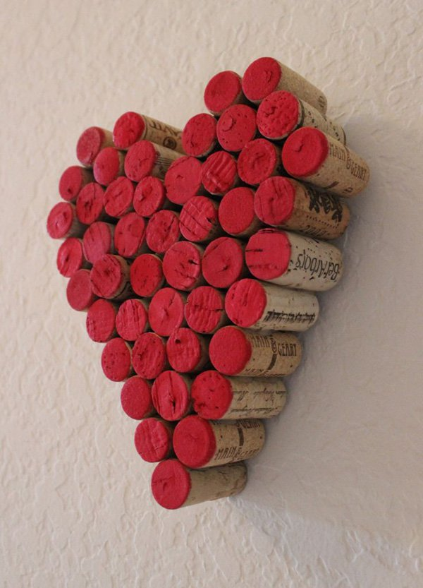 wine-cork-red-heart-wall-hanging