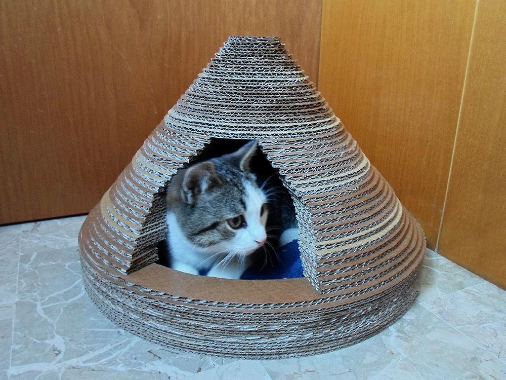 FH80V81HU4898AA.LARGE-min Как сделать домик для кота своими руками: 13 идей и мастер классов