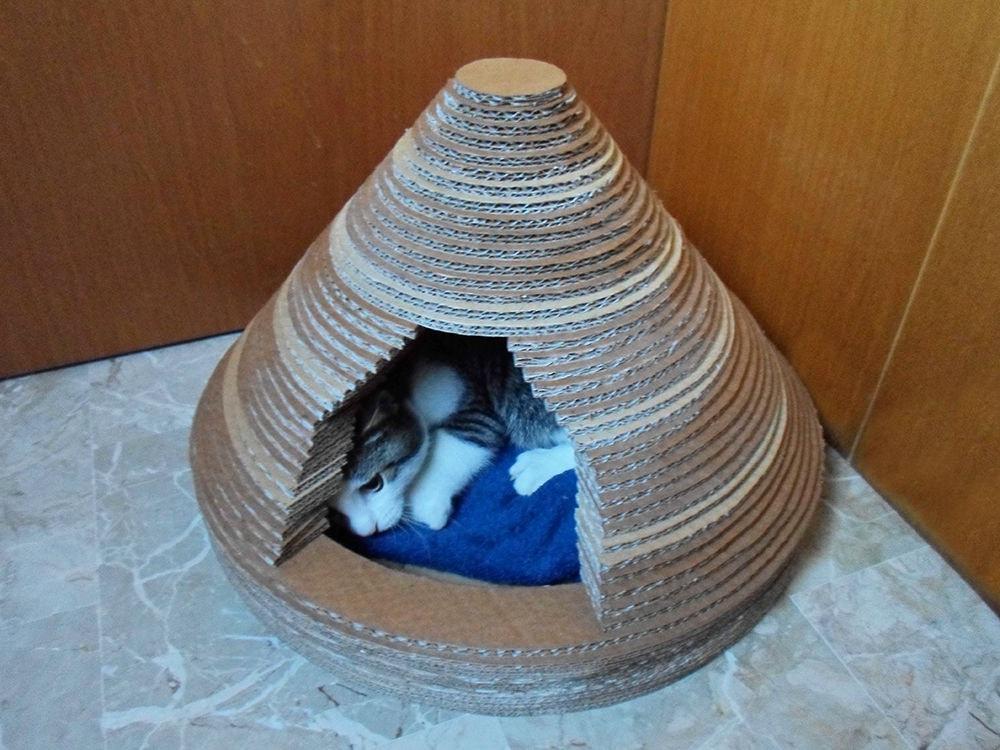 FNOTBCPHU48989T.LARGE-min Как сделать домик для кота своими руками: 13 идей и мастер классов