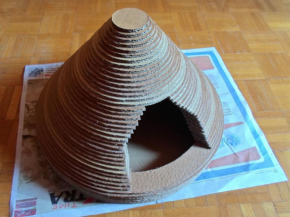FVEFNPDHU4897LC.LARGE-min Как сделать домик для кота своими руками: 13 идей и мастер классов
