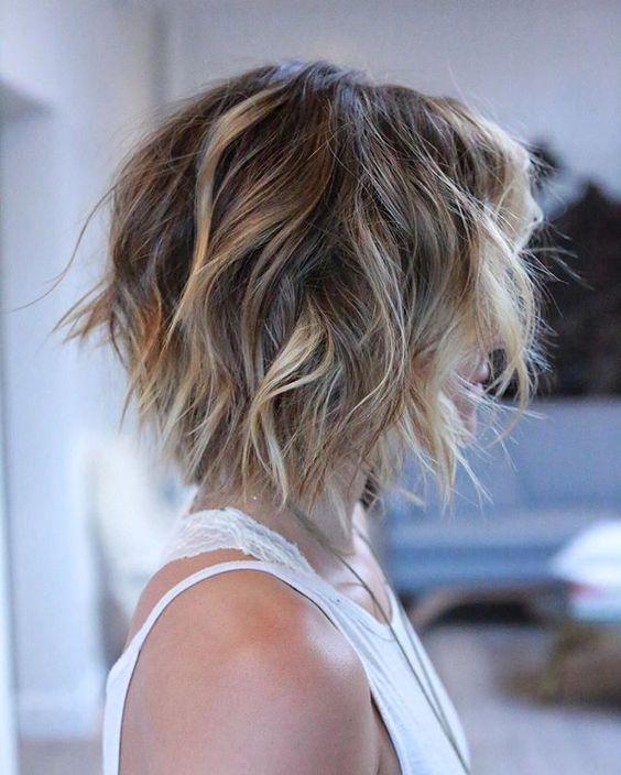 Стрижка Боб-каре на короткие и средние волосы (100  фото)