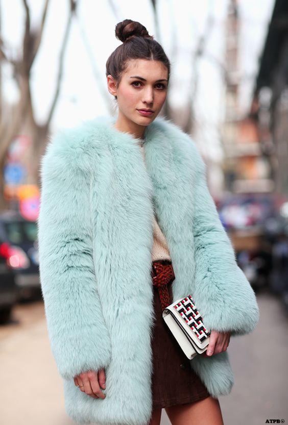 Τα γούνινα παλτά έχουν γίνει η προσωποποίηση της βιομηχανίας μόδας υψηλής  τεχνολογίας και τα πειράματα με την τεχνητή γούνα γίνονται όλο και πιο ... c7f50e7d784