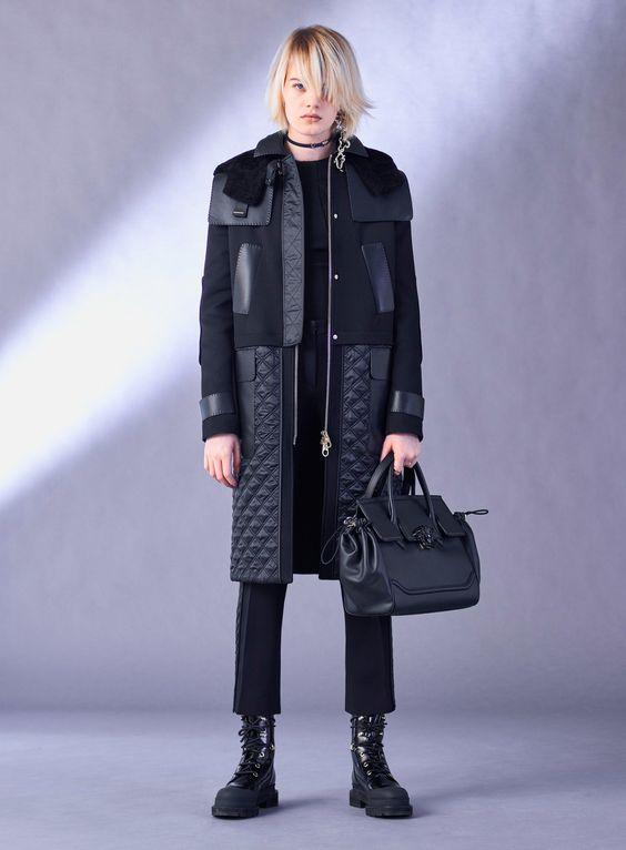 Пальто с кожаными элементами