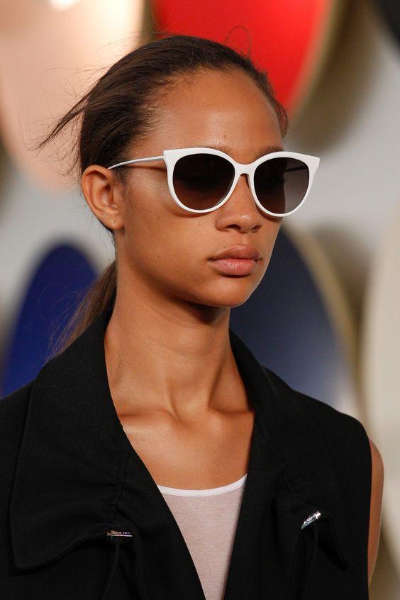 Элегантные темные очки