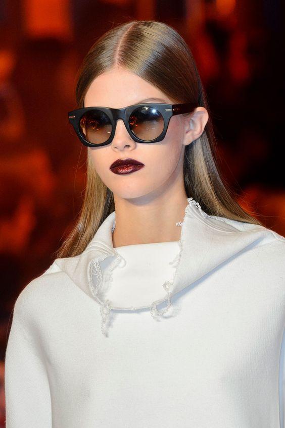Круглые очки с заостренной оправой