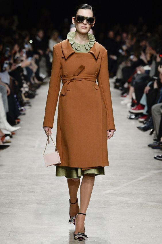 Классические пальто с поясом