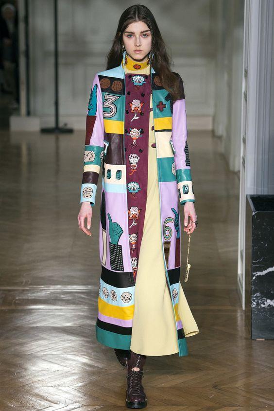 Креативная расцветка пальто