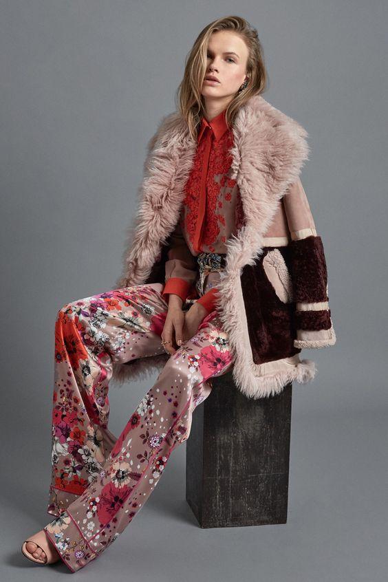 Пальто с мехом в городском стиле