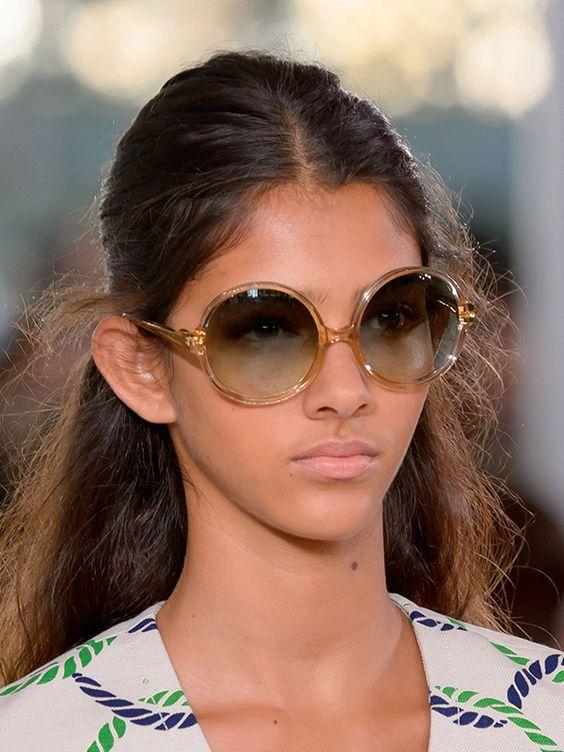 Круглые очки с прозрачной оправой