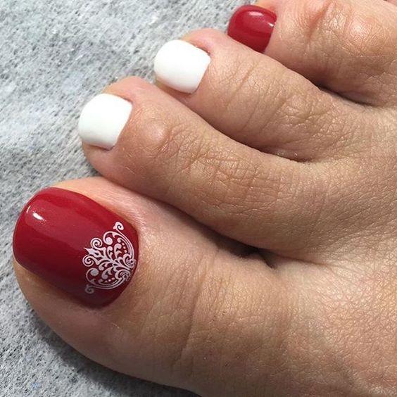 Педикюр дизайн красный с белым фото