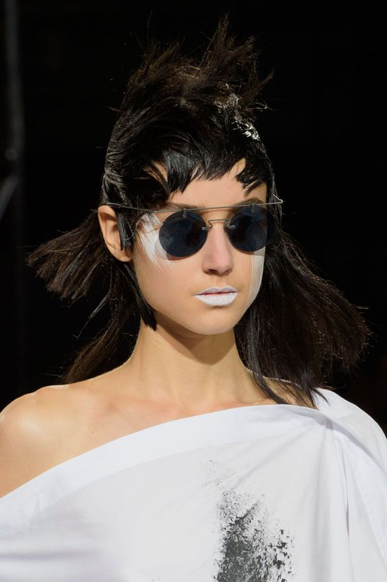 Футуристические очки