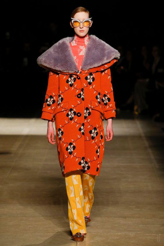 Яркий дизайн пальто