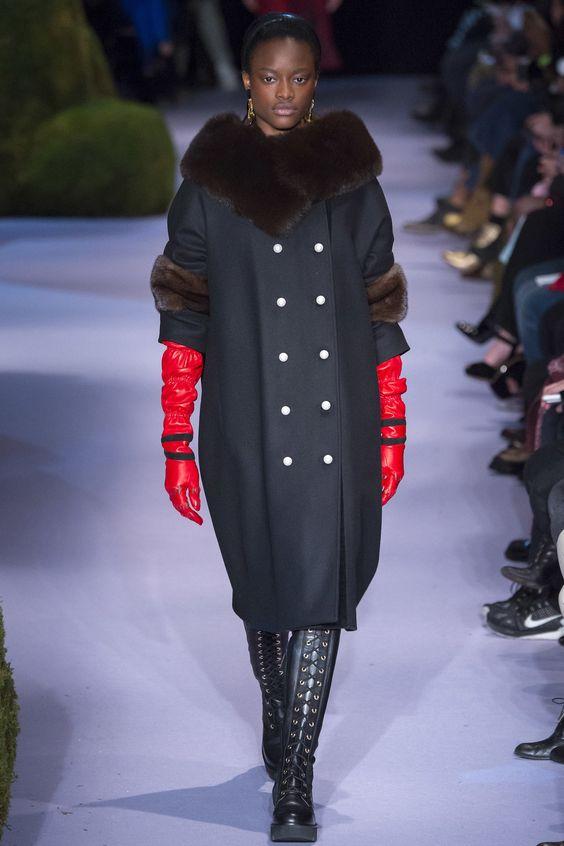 Оригинальное пальто с мехом