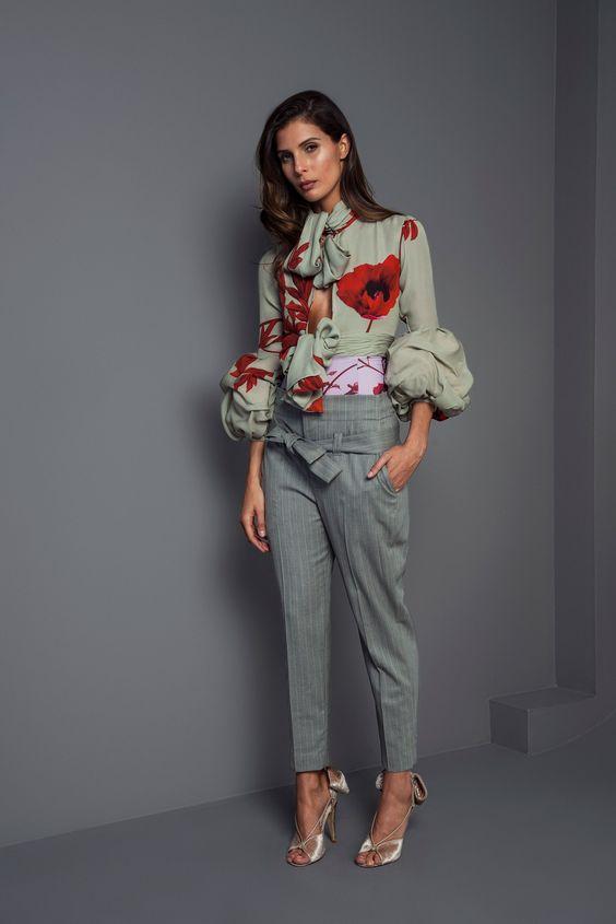 серые стильные брюки