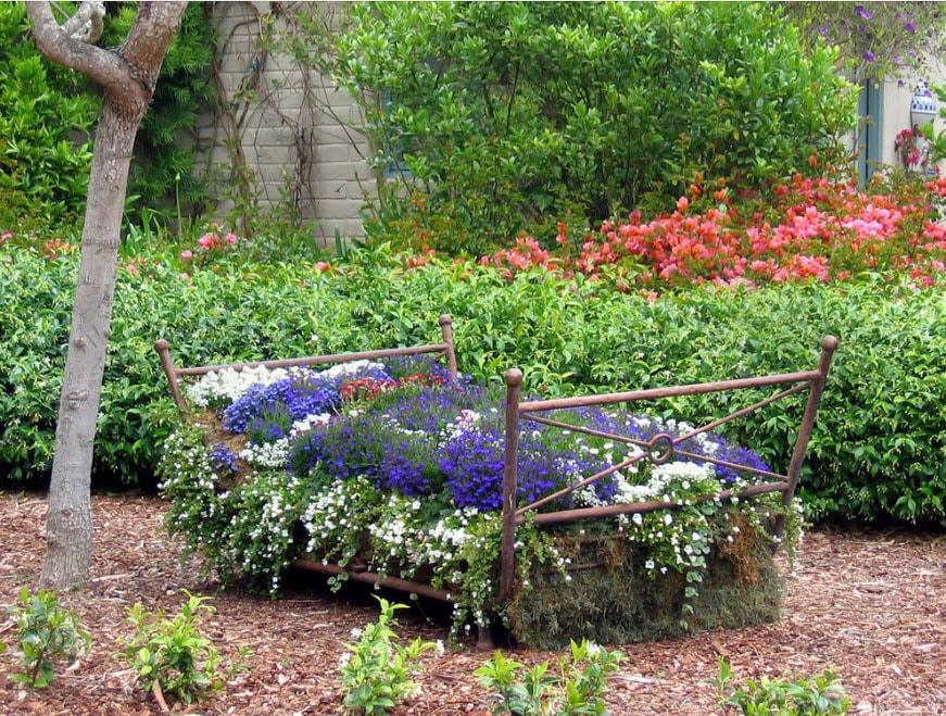 Весенний декор сада своими руками