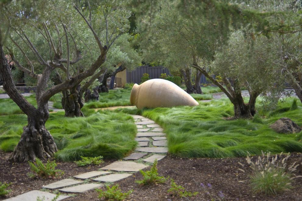 Садовый декор на дачном участке своими руками