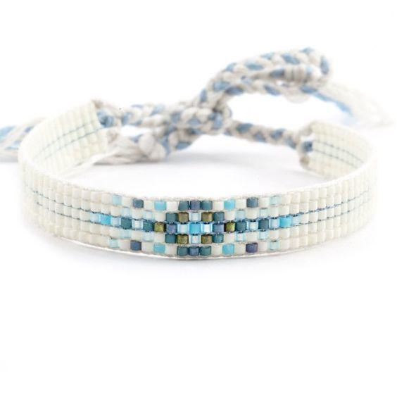 Как сделать из бисера красивые браслеты