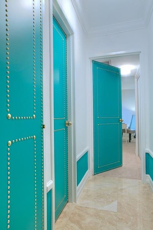 dekor_dveri_svoimi_rukami_sovety_i_maste