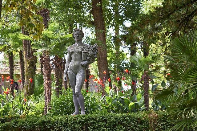 парк в Новом Афоне в Абхазии