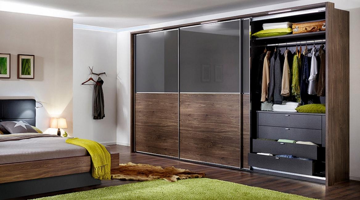 Шкаф-купе в прихожей, гостиной и спальне