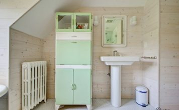 панели под дерево в дизайне ванной