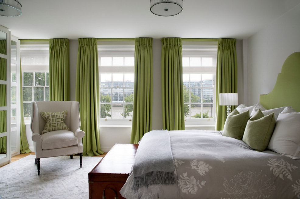 Сочетание штор с зелеными обоями фото