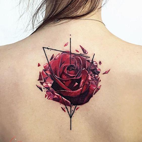 Что символизирует роза тату