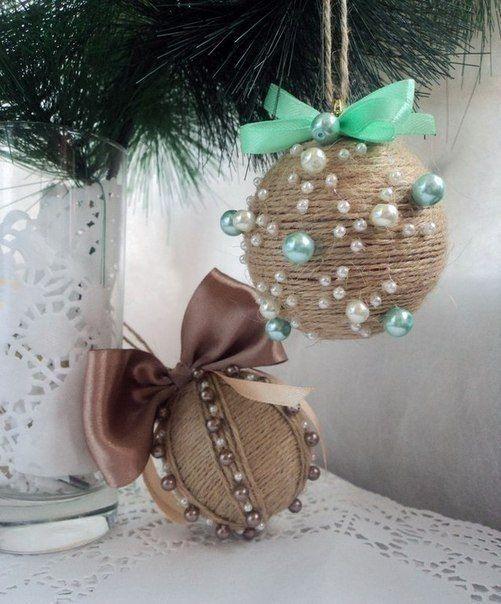 Новогодние шары из бусин и нитей