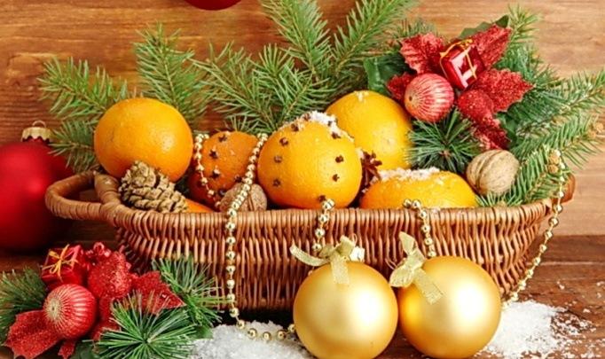 Мандарины в праздничном наборе
