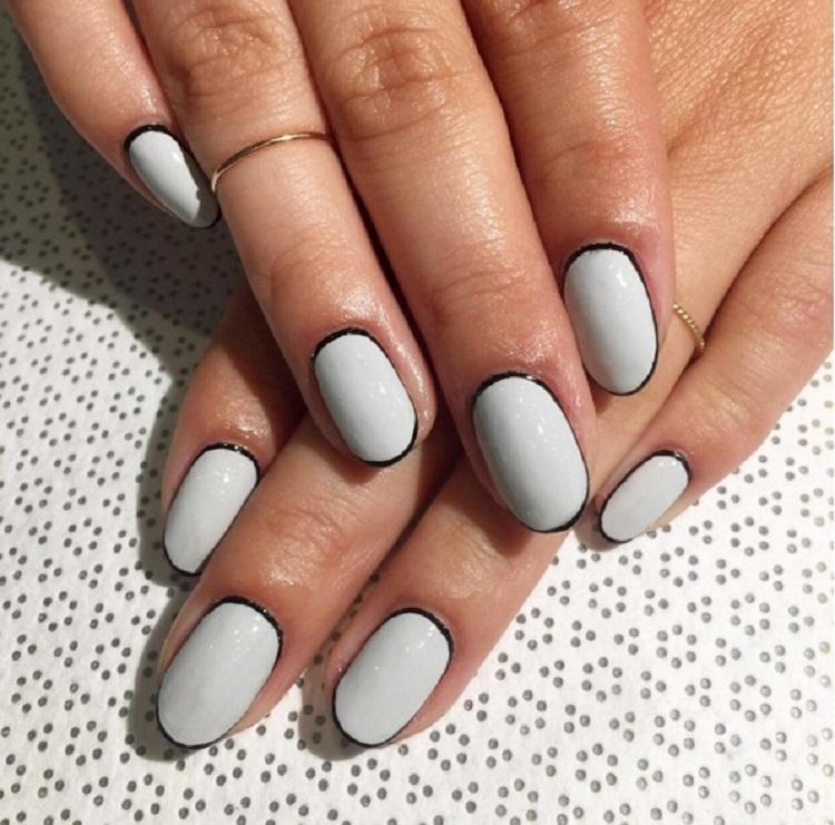 Тонкая рамка на ногтях