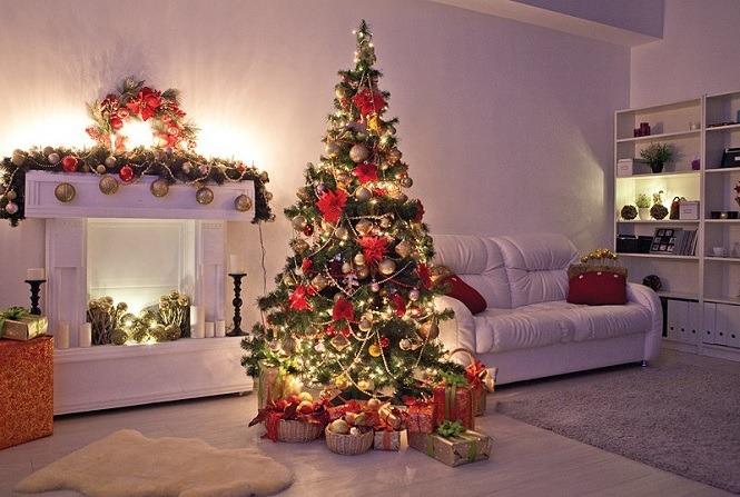 Ель с подарками