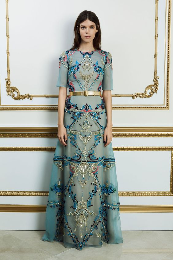 8524888d007 100 модных новинок  Фасоны платьев ВЕСНА - ЛЕТО 2018 года с фото