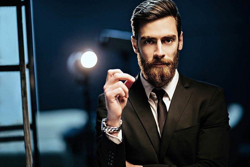 Борода и деловая стрижка