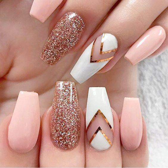Персиковые ногти