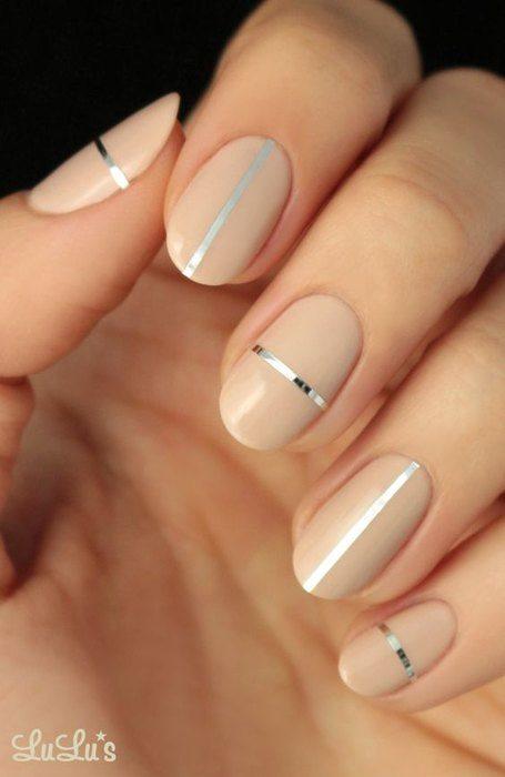 Серебряные линии на ногтях