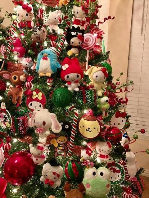 Интересные игрушки на елке