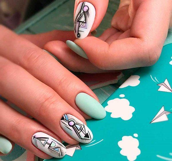 Цвет мята на ногтях
