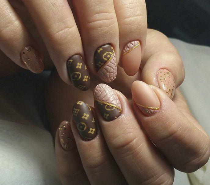 Луи Витон на ногтях