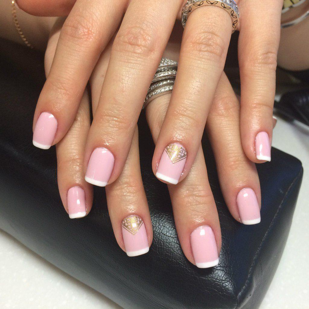 Френч с нежно-розовой базой