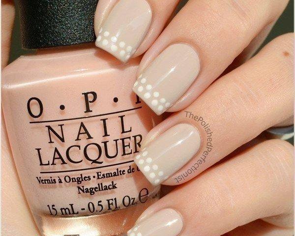Оригинальный декор на ногтях