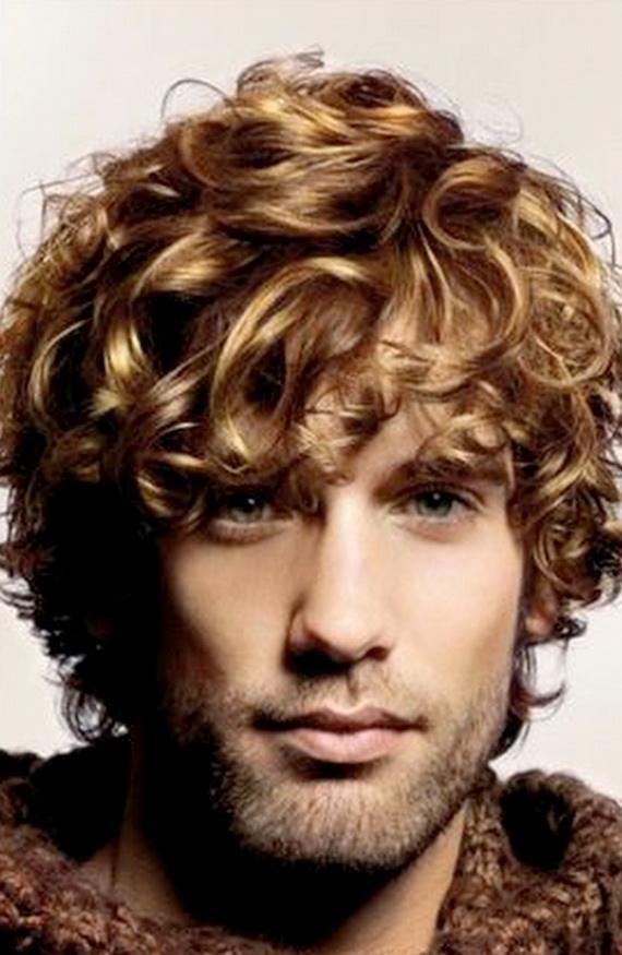 Объем на вьющихся волосах