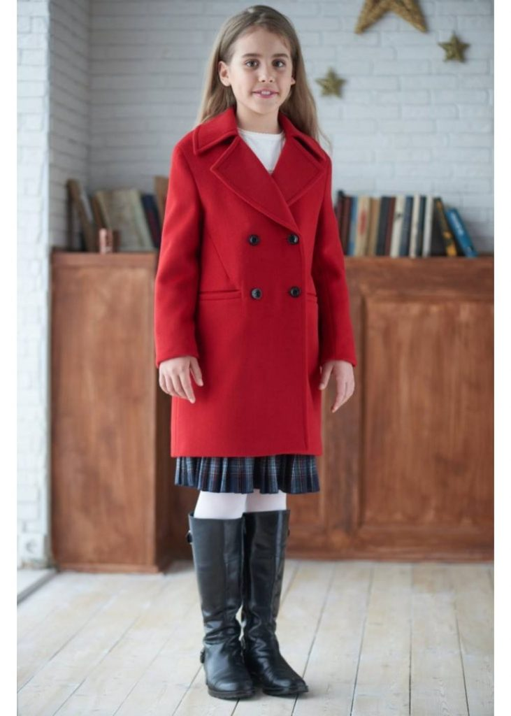 7ef5519ac17 От миналия сезон, любимото облекло на много тийнейджъри - трикотажни суичъри  е мигрирало към 2018. Те ще бъдат в хармония с плетената пола или спортните  ...