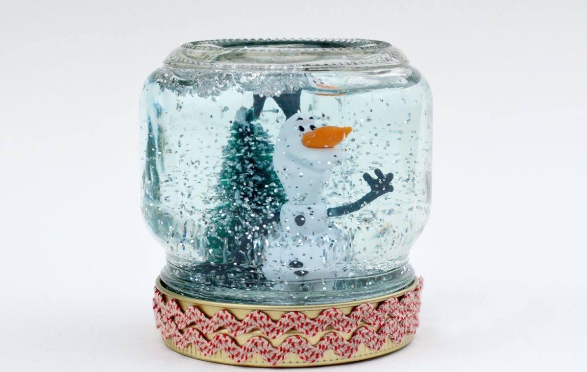 Новогодняя банка со снегом