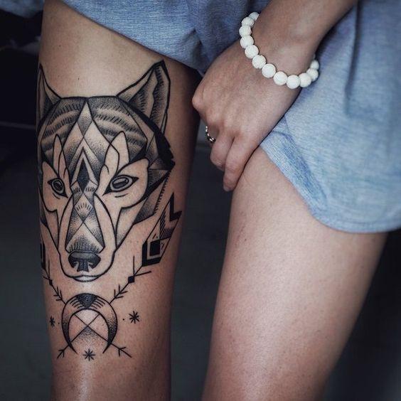 Волк тату на ноге у девушек фото