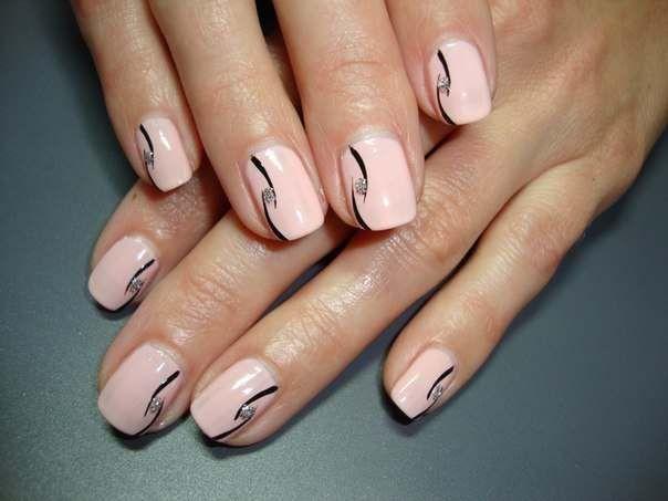 Нежно-розовые ногти с рисунком