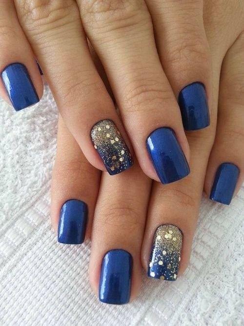 Синие ногти с переливами