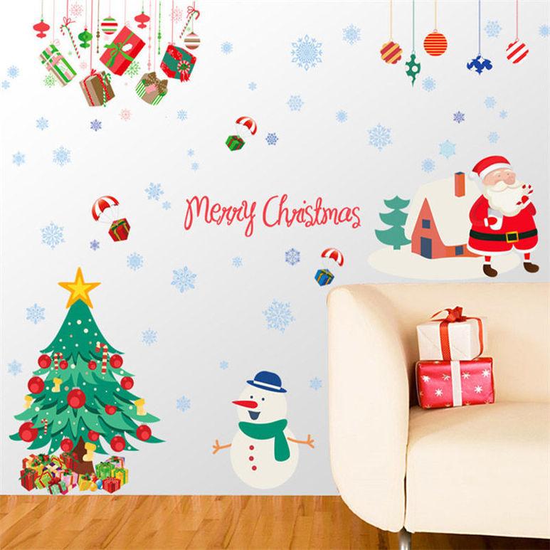 Виниловая елка на стене